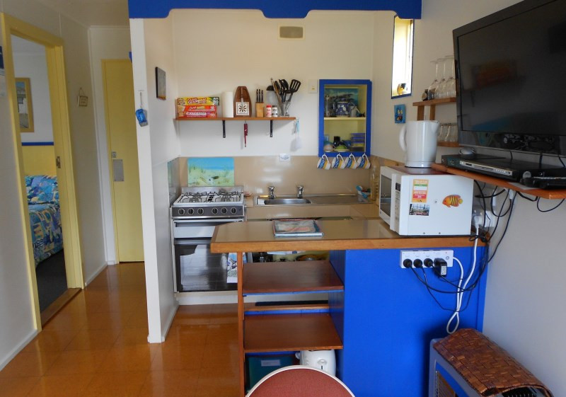 king-island-accommodation-cottages-kitchen.jpg